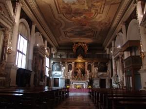 interno della chiesa dell'ospedale.