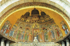 nel portale di Sant'Elpidio, del 1250, pare di intravvedere il berretto venetico