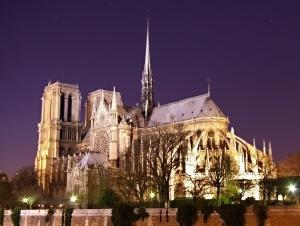 Notre_Dame_de_Paris_by_night_time